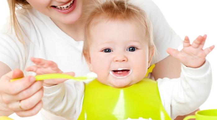 Cách chăm sóc trẻ 7 tháng biếng ăn